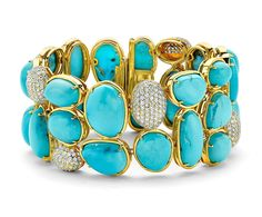 No such thing as too much Turquoise! Come see this gorgeous bracelet and the Fabulous @michelleorman and @theeabproject in Jackson, WY at The Four Seasons Hotel today and tomorrow then Belle Cose Friday and Saturday. #trunkshow #jacksonholewy #jacksonwy @bellecosejacksonhole @fsjacksonhole @fourseasons #oneofakind #pamelahuizengajewelry