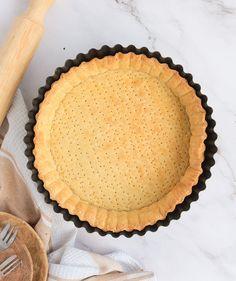 Quiche Crust Recipe, Quiche Pie Crust, Quiche Recipes, Cake Recipes, Easy Shortcrust Pastry Recipes, Savoury Tarts, Quiches, 4 Ingredients, Super Easy