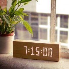 Click Message Clock aus Holz mit LEDs