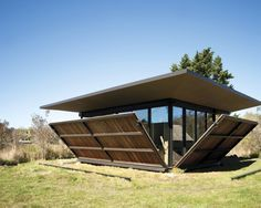 Shipping Container Home Designs Container Home Designs, Container Cabin, Cargo Container, Tiny House, Kinetic Architecture, Sustainable Architecture, Architecture Design, Getaway Cabins, Shipping Container Homes