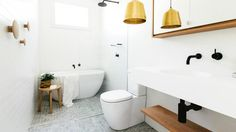 what's your bathroom style: perfecting the clean & white look. Photography by Caroline McCredie.