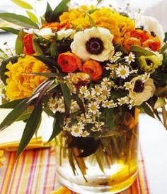 winterstrauss-primeln-anemonen-ranunkeln