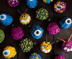 Adorable Monster Cupcakes using plant, seed, and vegetable based food color that are as easy as they are delicious! These colorful cupcakes won't last long! Monster Cupcakes, Monster Birthday Cakes, Birthday Cupcakes, Whipped Frosting, Buttercream Cupcakes, Cupcake Cakes, Cup Cakes, Tasty Kitchen, Halloween Goodies