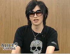 rasetsukoku:  www he looks gooooooood~