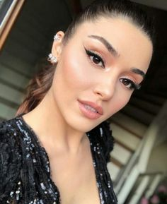 Turkish Women Beautiful, Turkish Beauty, Turkish Fashion, Beautiful Girl Image, Indian Beauty, Pretty Movie, Casual Makeup, Hande Ercel, Cute Love Couple