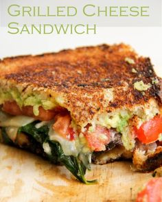 Loaded Veggie Grilled Cheese Sandwich: 2 pieces of bread of an avocado 2 slices of your favorite cheese (I used white cheddar) 2 large tomato slices 1 small onion 1 large handful of fresh spinach 1 medium portobello mushroom Vegetarian Recipes, Cooking Recipes, Healthy Recipes, Vegetarian Grilling, Keto Recipes, Clean Eating, Healthy Eating, Good Food, Yummy Food