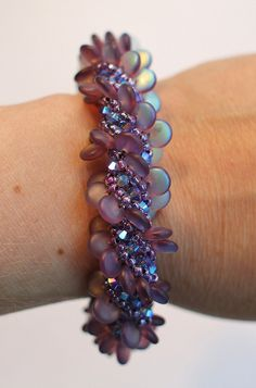 Russian spiral bracelet using pink opal lentils Baubles And Beads, Beads And Wire, Jewelry Patterns, Bracelet Patterns, Beaded Jewelry, Handmade Jewelry, Jewellery, Women's Jewelry, Personalized Jewelry