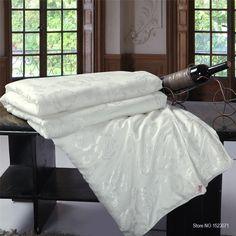 Купить 100% шелк / одеяло / / на лето и зима король королева близнецы размер ручной новая постельные принадлежности белый / розовый цвет бесплатная доставкаи другие товары категории Стеганые одеялав магазине asia bedding mallнаAliExpress. утешитель продажи и пододеяльники и шторы