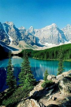 Majestic Canadian Lake at the foot of a beautiful Mountain Range