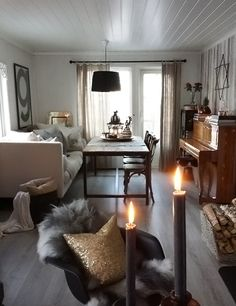 A sofa as a bench by a table. how cosy! A Scandinavian Cottage by the Sea Fishermans Cottage, Scandinavian Cottage, Dining Room Inspiration, Eclectic Decor, Dining Area, Decoration, Living Spaces, House Design, Interior Design