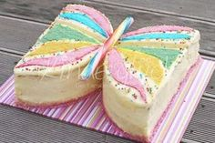 Eine leckere Schmetterlingstorte … Today I have a great baking idea for the children's birthday party. A delicious butterfly cake … … Food Cakes, Cupcake Cakes, Cake Recipes, Dessert Recipes, Butterfly Cakes, Birthday Cake Decorating, Birthday Cake Girls, Birthday Parties, Girl Cakes
