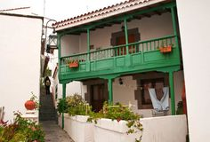 Balcón canario en el casco histórico de Tejeda, Gran Canaria.