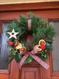 Traditional Czech Christmas wreath, on the door Christmas Wreaths, Xmas, Christmas Traditions, Doors, Traditional, Holiday Decor, Home Decor, Christmas Swags, Yule