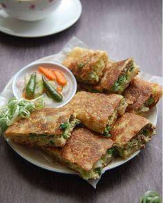 Indonesian Food Traditional, Easy Sauce Recipe, Vermicelli Recipes, Asian Recipes, Ethnic Recipes, Asian Desserts, Menu, Food Presentation, Diy Food