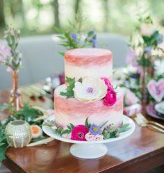 31 Super Chic Not Your Average Wedding Cakes - MODwedding