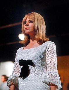 Marianne Faithfull Sixties Fashion, Mod Fashion, Vintage Fashion, Sporty Fashion, Fashion Women, Marianne Faithfull, Patti Hansen, Charlotte Rampling, Bianca Jagger