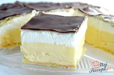 Ingredients 500 g puff pastry 100 g sugar 2 pack vanilla sugar 800 ml milk 2 eggs . - Ingredients 500 g puff pastry 100 g sugar 2 pack vanilla sugar 800 ml milk 2 egg yolk 2 pack puddin - Romanian Desserts, Romanian Food, Romanian Recipes, Sweet Recipes, Cake Recipes, Dessert Recipes, Focaccia Bread Recipe, Sicilian Recipes, Crazy Cakes