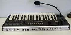 KORG R3 SYNTHESIZER AND VOCODER WITH ADAPTER AND MICROPHONE