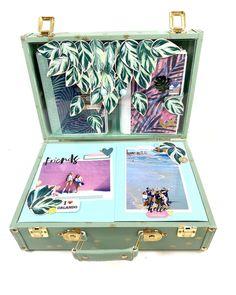 """Lydille on Instagram: """"🌸La VALISE FLORIDE🌸 . Avez-vous vu cette toute nouvelle valise de la Floride? Quel est l'élément de la valise que vous préférez? . Le…"""" Large Scrapbook, Scrapbook Albums, Suitcase, Paper Crafts, Instagram, Florida, Baby Born, Tissue Paper Crafts, Scrapbooks"""