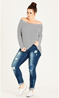 Show off those sexy curves in plus size denim! City Chic has you covered with plus size jeans and denim shorts in all the latest styles. Denim Fashion, Curvy Fashion, Plus Size Fashion, Fashion Top, Fashion Edgy, Fashion 2018, Fashion Boots, Fall Fashion, Curvy Outfits