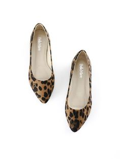 Little Leopard Flats. Simple and chic. Casual dress style shoes. therollinj.com
