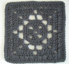 Yarn In, Yarn Out: Free Crochet Pattern: Diamond Windowpane