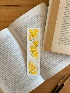 Creative Bookmarks, Cute Bookmarks, Bookmark Craft, Paper Bookmarks, Watercolor Bookmarks, Watercolor Art, Bookmark Printing, Karten Diy, Book Markers