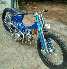Honda Cub, Scooter Motorcycle, Moto Bike, Custom Moped, Custom Bikes, Indian Dark Horse, 50cc Moped, Vintage Moped, Honda Bikes