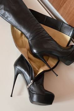 High heels shoes and boots for sale, used and new. Thigh High Boots Heels, Hot High Heels, Knee Boots, Heeled Boots, Extreme High Heels, Sexy Boots, Fashion Boots, Leather Boots, Stiletto Heels