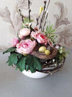 Beautiful Flower Arrangements, Beautiful Flowers, Centerpieces, Table Decorations, Hello Spring, Florals, Diy, Easter, Home Decor