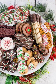 Christmas Cookies Decorating Store Bought Cookies - add some chocolate drizzles and sprinkles to cookies that you get from the store. Perfect cookie recipe when you do not have time to bake! Holiday Cookies, Holiday Desserts, Holiday Baking, Holiday Treats, Holiday Recipes, Christmas Party Food, Christmas Sweets, Christmas Cooking, Christmas Goodies
