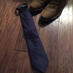 Blue and red wool/silk tie Daniel Cremieux tie, listed under Brooks Brothers since brand isn't on Posh. EUC 75% wool 25% silk tie ⭐️open to offers⭐️ Brooks Brothers Accessories Ties