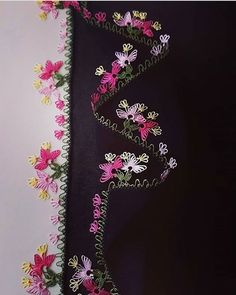 #oya #model #oyamodeli #tığoyasısevenler #tigoyalarim42 #tığişi #tığoyası #yazma #yazmamodelleri #yazmaoyalari #ceyiz #ceyizhazirligi #cehiz #sandık # Dupatta Setting, Moda Emo, Knit Shoes, Pakistani Dress Design, Needle Lace, Sweater Design, Knitted Shawls, Baby Knitting Patterns, Knitting Socks