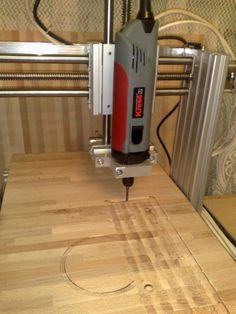 Routeur Cnc, Cnc Router Plans, Diy Cnc Router, Woodworking Saws, Small Woodworking Projects, Cnc Projects, Arduino Cnc, Auction Projects, Homemade Cnc Router