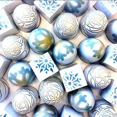 Those stunning Winter Caramel bonbons by A519chocolate got us speechless! Made with Valrhona SATILIA 62% & 35%, GUANAJA 70%, ABINAO 85%