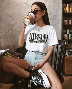 Hipster Outfits, Mode Outfits, Girl Outfits, Band Shirt Outfits, Vintage Outfits, Vintage Clothing, Cute Summer Outfits, Cute Casual Outfits, Outfit Summer