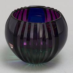 Everything made of Glass Broken Glass Art, Broken Mirror, Shattered Glass, Glass Design, Design Art, Stained Glass Art, Wine Glass, Contemporary Art, Glass Bowls