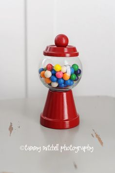 DIY: tutorial: how to make individual gumball machine party favors and party decorations - Pink Peppermint Design
