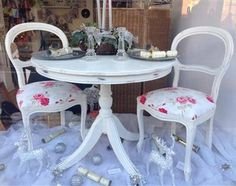 Skylar-Belle Old White ASCP Table and chairs Chairs recovered in Nancy Fabric Table And Chairs, Dining Table, Painted Furniture, Decorating, Fabric, Home Decor, Furniture, Decor, Tejido