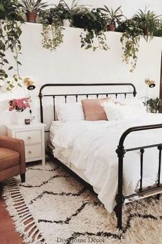 24 Contemporary Boho Bedroom Diy Decor Boho Bedroom Diy Decor 30 Boho Chic Bedroom Decor Ideas And Inspiration Vine Filled Cozy Boho Bedroom Diy, Guest Bedroom Decor, Guest Bedrooms, Bedroom Ideas, Bedroom Beach, Bedroom Inspo, Trendy Bedroom, Earthy Bedroom, Summer Bedroom