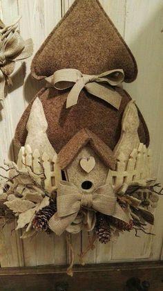 Albero feltro Felt Ornaments, Diy Christmas Ornaments, Felt Christmas, Rustic Christmas, Holiday Crafts, Christmas Holidays, Christmas Decorations, Xmas, Wool Applique