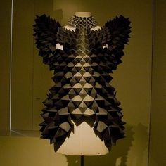 l'instant magic: Paper Fashion exposition at MoMu in Antwerp, by Antwerp Fashion Observer