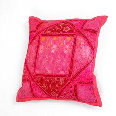 sierkussen patchwork roze