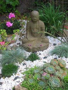 Awesome 40 Philosophic Zen Garden Designs : 40 Philosophic Zen Garden Love the succulents and pebbles.