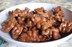 Vous avez envie de réaliser un dessert délicieux, original et ABSOLUMENT CANON en quelques minutes seulement ? Ces friandises à la noix et au chocolat vont vous rendre fou ! On vous promet que v...