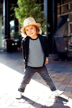 This kids fashion and pose is too cute! Love little kids in hats, it's too cute