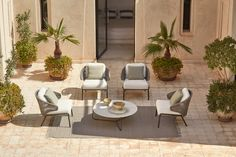 Experience outdoor luxury on your roof deck or balcony with the Radius chair, whose lightweight rope structure offers optimal comfort for moments brimming with peace. Hardwood Furniture, Large Furniture, Outdoor Furniture Sets, Furniture Design, Modern Furniture, Outdoor Coffee Tables, Outdoor Seating, Outdoor Decor, Outdoor Lounge