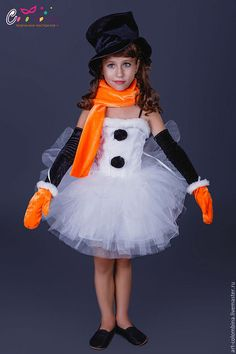 Купить или заказать Костюм снеговичка в интернет-магазине на Ярмарке Мастеров. карнавальный костюм снеговика для девочки комплектация: платье, шляпа, шарф, перчатки, варежки 134-146+300…