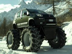 Strange car - Fiat Panda Monster Truck Fiat teamed up with Mercurio Cinematografica to create this monster. It is a cross-breed between a Panda and a Jeep They created it for an ad campaign that Fiat is currently running. Monster Truck Videos, Monster Truck Cars, Ferrari 456, Jeep Cj7, 4x4 Trucks, Lifted Trucks, Custom Trucks, Jeep Truck, Diesel Trucks