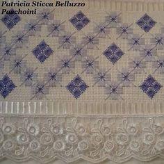 Pra deixar tudo azul!!! #pontoreto #artesanato #toalhaderosto